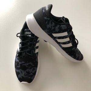 adidas | Women's Cloudfoam QT Racer Sneaker 7.5